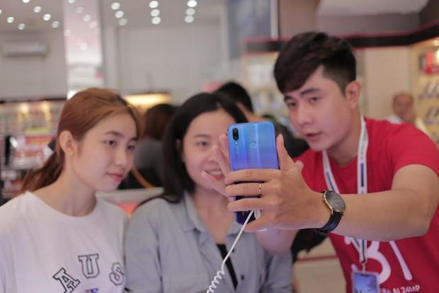 GenZ làm gì trên chiếc smartphone 4G của mình: Kết nối không giới hạn, giải trí hết ga và còn nhiều hơn thế nữa - Ảnh 3.