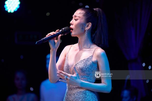 Lệ Quyên kể xấu Đạo diễn Việt Tú, bảo nữ ca sĩ cất vương miện Hoa hậu thân thiện để Q Show 2 đạt đẳng cấp Celine Dion hay Mariah Carey - Ảnh 1.