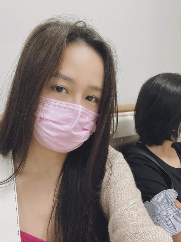 Noo khoe phần 2 màn thả thính nấu cháo với Mai Phương Thúy, netizen soi ra bóng hình người phụ nữ lạ trong gương - Ảnh 4.