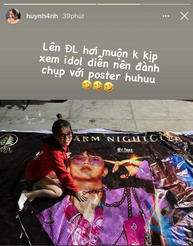 Hết sờ lên poster của R.Tee, bạn gái cũ Quang Hải lại chuyển sang mặc áo in hình nam rapper? - Ảnh 4.
