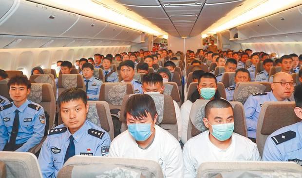 Những cú lừa bạc triệu mùa Covid-19 ở Trung Quốc: Hết lấy danh nghĩa từ thiện, giả làm giáo viên đến tự nhận là bệnh nhân không có tiền cách ly - Ảnh 3.