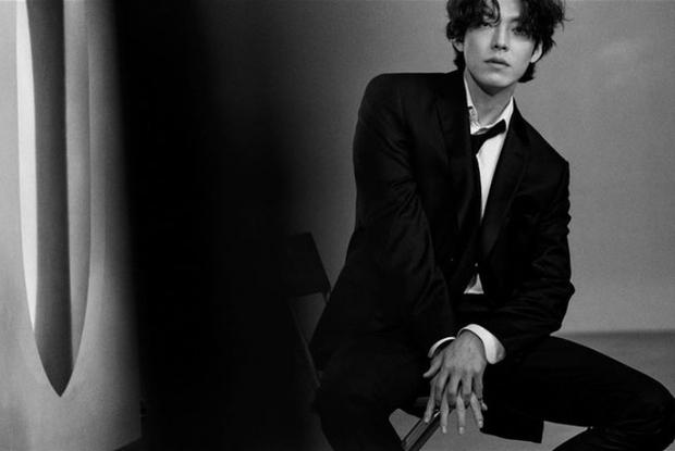 Kim Woo Bin cuối cùng đã lấy lại visual nam thần sau khi chữa ung thư: Mặt như tượng tạc, mái tóc thôi cũng lịm tim - Ảnh 3.
