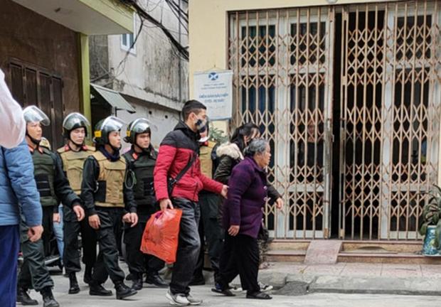 """Thái Bình: Bắt giữ bà """"trùm"""" 75 tuổi mới ra tù, cầm đầu đường giây buôn bán ma tuý toàn con cháu trong nhà - Ảnh 1."""