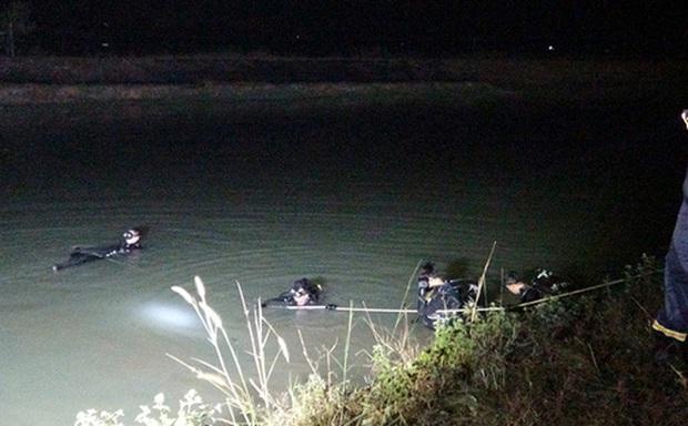 Vụ người mẹ ôm 2 con nhảy cầu tự tử sau khi đăng status buồn: Cảnh sát đã tìm thấy 2 thi thể - Ảnh 1.