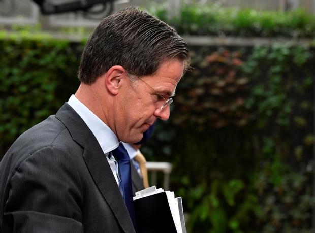 Thủ tướng Hà Lan từ chức sau bê bối tiền trợ cấp trẻ em - Ảnh 1.