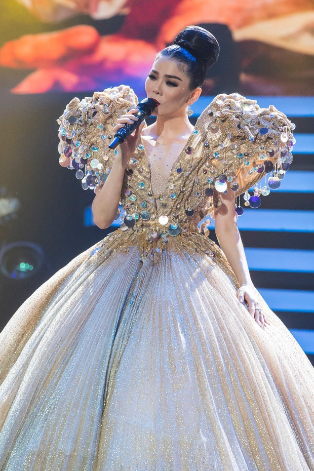 Lệ Quyên kể xấu Đạo diễn Việt Tú, bảo nữ ca sĩ cất vương miện Hoa hậu thân thiện để Q Show 2 đạt đẳng cấp Celine Dion hay Mariah Carey - Ảnh 3.