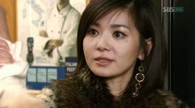 4 màn trả đũa người cũ siêu ngầu ở phim châu Á: Khoái nhất là màn đòi nợ phi công trẻ của Baifern nha! - Ảnh 5.