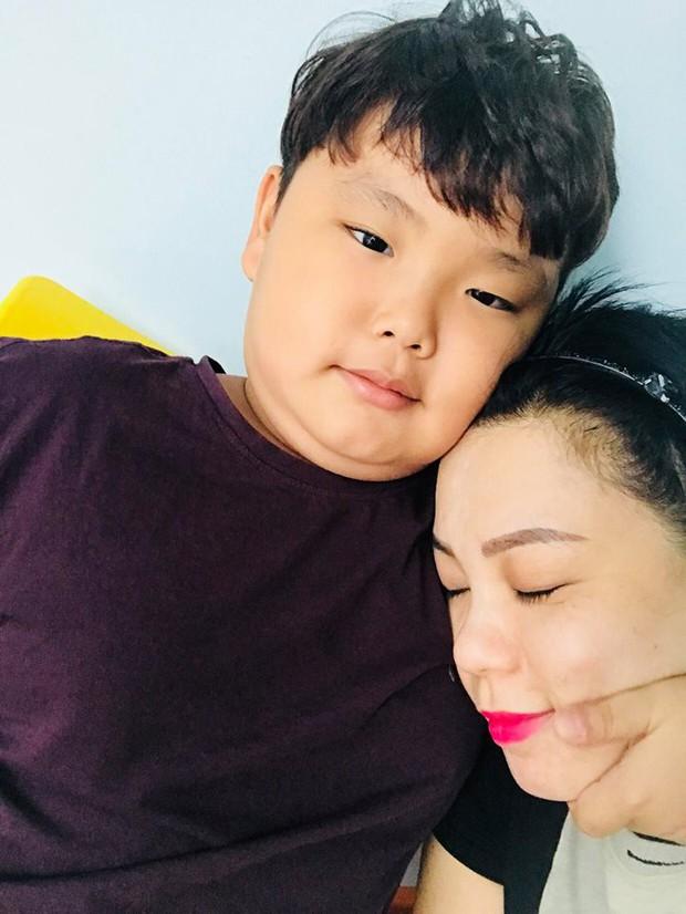 Chân dung bà xã Xuân Bắc: Giảng viên đại học thu nhập 100 triệu/tháng, dạy con nghiêm khắc đến mức cả chồng cũng phải nể sợ - Ảnh 3.