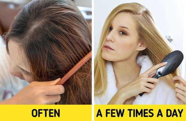 5 sai lầm khi chải tóc có thể làm hỏng mái tóc của bạn, sửa ngay nếu muốn tóc bóng mượt hơn - Ảnh 3.