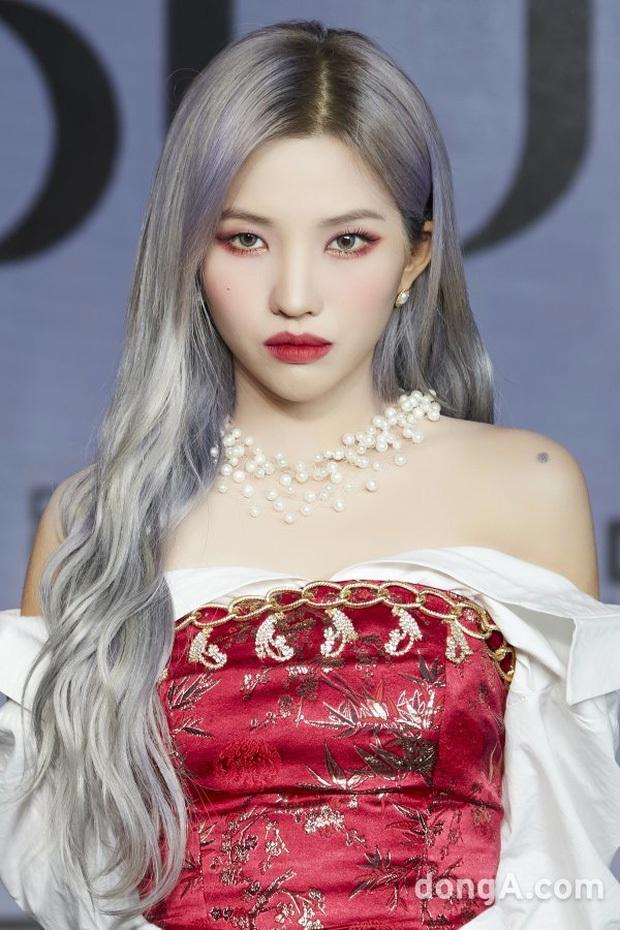 30 nữ idol Kpop hot nhất: Jennie (BLACKPINK) chưa bất ngờ bằng em út Oh My Girl đánh bật cả TWICE - MAMAMOO - Ảnh 5.