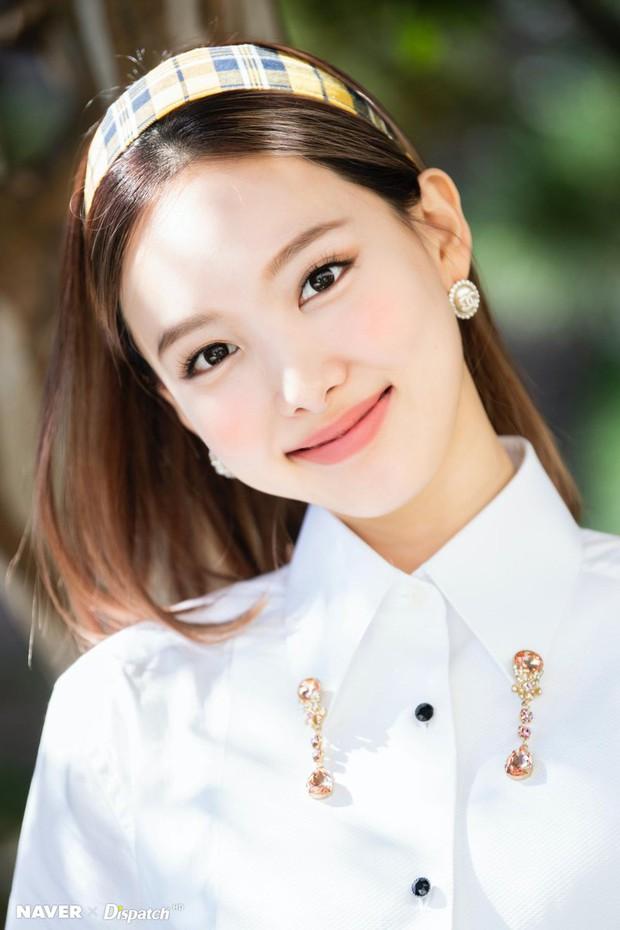30 nữ idol Kpop hot nhất: Jennie (BLACKPINK) chưa bất ngờ bằng em út Oh My Girl đánh bật cả TWICE - MAMAMOO - Ảnh 11.