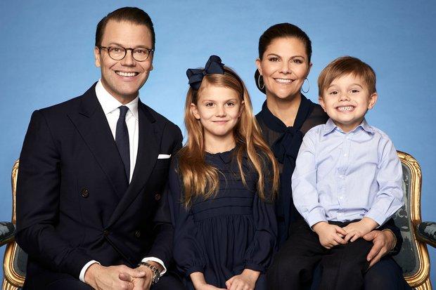 """Chuyện """"Chàng Lọ Lem"""" của Hoàng gia Thụy Điển: Từ nhân viên phòng gym xuất thân quê mùa bị chê cười trở thành phu quân Nữ hoàng tương lai - Ảnh 11."""