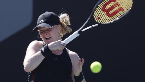 Tay vợt nữ dị nhân ở Australian Open 2021, chỉ có 8 ngón tay và 7 ngón chân - Ảnh 1.