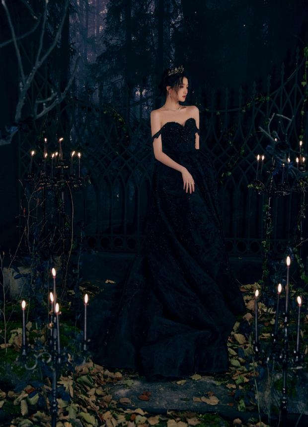 Màn bùng nổ visual gây bão Cbiz hôm nay: Quan Hiểu Đồng hoá công chúa bóng đêm, visual lẫn thần thái đỉnh của chóp - Ảnh 7.