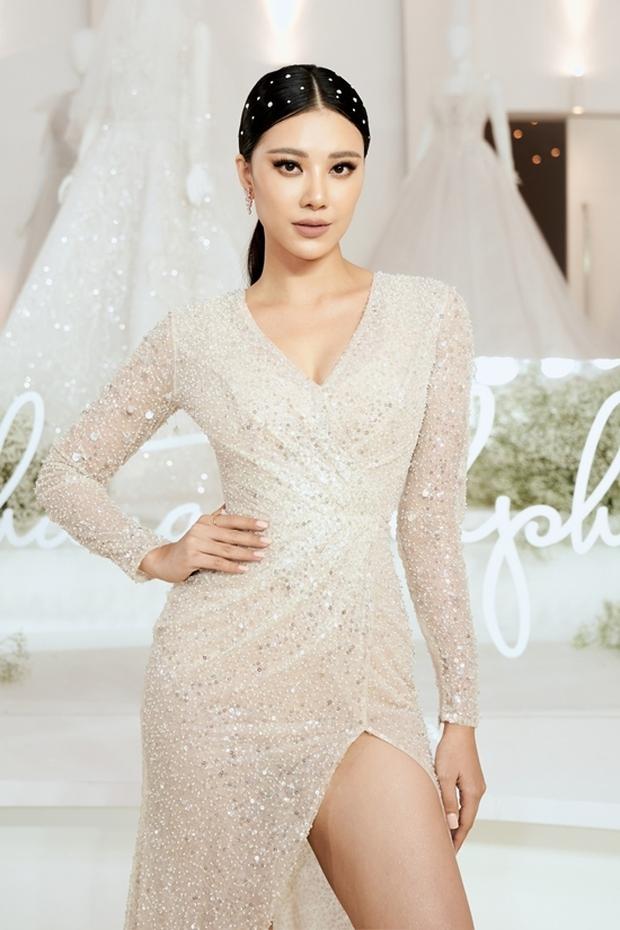Dàn hoa Hoa hậu, á hậu tụ họp mừng sinh nhật Lê Âu Ngân Anh, Kim Duyên chiếm spotlight vì gương mặt khác lạ khó nhận ra  - Ảnh 4.