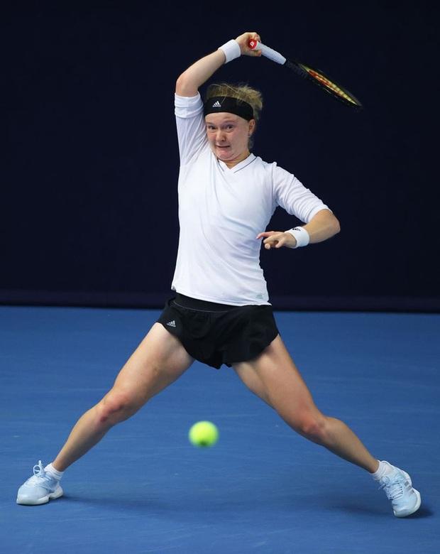 Tay vợt nữ dị nhân ở Australian Open 2021, chỉ có 8 ngón tay và 7 ngón chân - Ảnh 3.