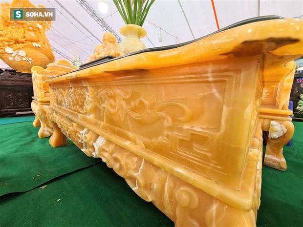 Choáng ngợp bộ bàn ghế ngọc Hoàng Long bán rẻ, giá gần tỷ đồng ở Hà Nội - Ảnh 5.