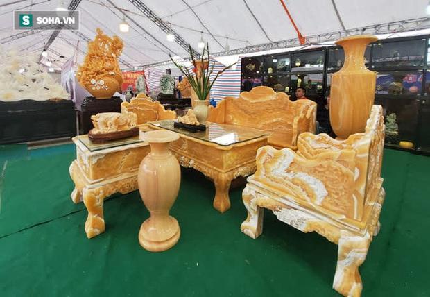 Choáng ngợp bộ bàn ghế ngọc Hoàng Long bán rẻ, giá gần tỷ đồng ở Hà Nội - Ảnh 7.
