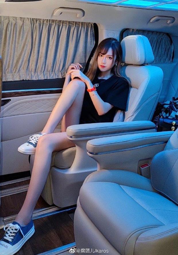 Sexy, nóng bỏng lại siêu giàu có, nữ coser hàng đầu Trung Quốc khiến netizen gato với gia tài toàn đồ hiệu khủng - Ảnh 7.