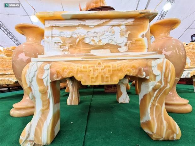 Choáng ngợp bộ bàn ghế ngọc Hoàng Long bán rẻ, giá gần tỷ đồng ở Hà Nội - Ảnh 9.