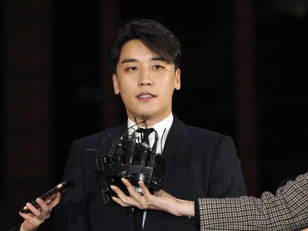Biến căng: Seungri bị tố hành hung nhân viên của JYP, kéo cả băng đảng đến trả thù vì 1 từ chê bai - Ảnh 2.