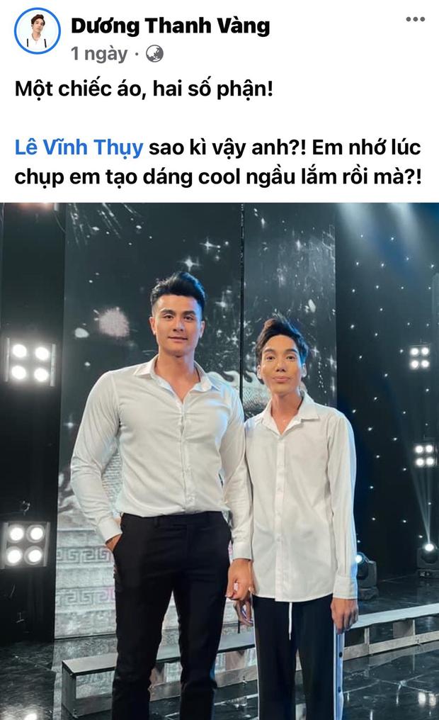 Táo Xuân 2021: Siêu mẫu Vĩnh Thụy mặc sơ mi trắng, cực đắt slot chụp hình cùng nghệ sĩ - Ảnh 2.