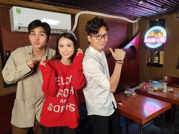 Ngô Kiến Huy - Jun Phạm làm rõ tin đồn yêu đương trên talk show của Sam - Ảnh 1.