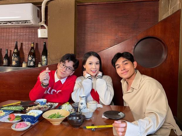 Ngô Kiến Huy - Jun Phạm làm rõ tin đồn yêu đương trên talk show của Sam - Ảnh 2.