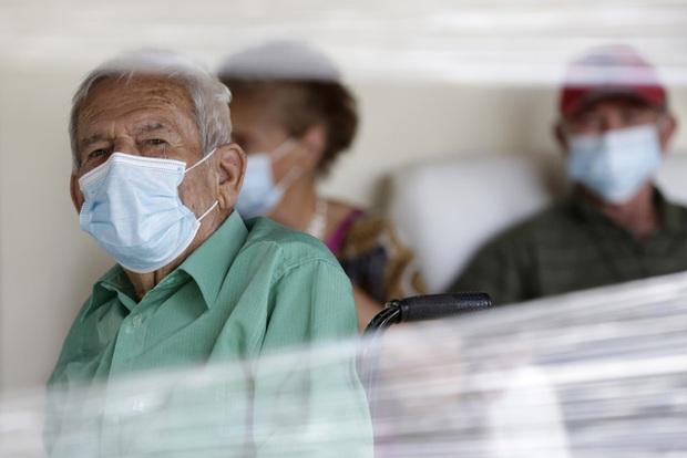 Hơn 95,3 triệu người mắc COVID-19 trên thế giới, số ca nhiễm tăng mạnh ở một số nước Đông Nam Á - Ảnh 1.