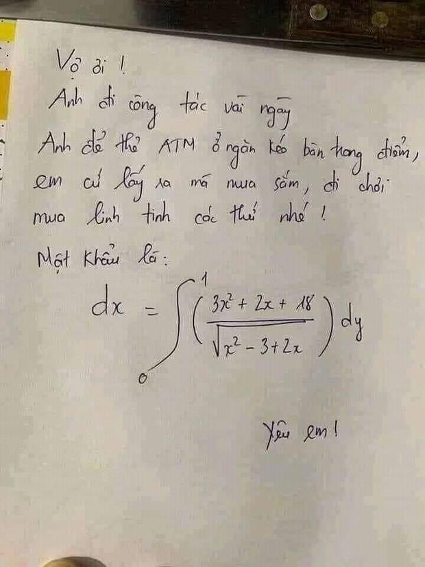 Chồng đi công tác để thẻ ATM ở nhà cho vợ đi shopping nhưng xem qua mật khẩu đến sinh viên đại học cũng phải quỳ lạy - Ảnh 1.