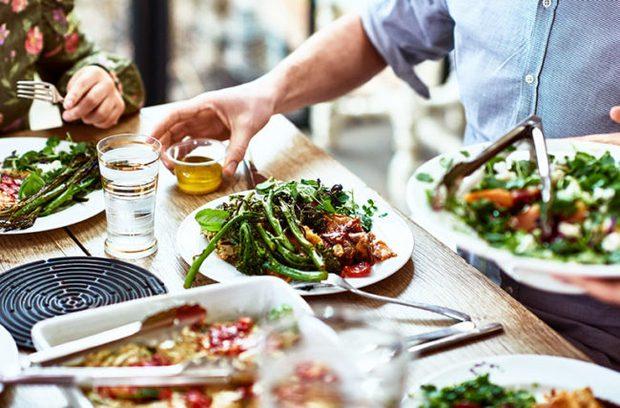 6 lời khuyên để từ bỏ chế độ ăn kiêng và ăn uống trực quan hơn vào năm 2021 - Ảnh 2.