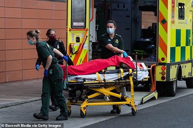 Nghiên cứu đáng sợ về Covid-19 tại Anh: Cứ 8 người phục hồi thì 1 người chết trong vòng 140 ngày kế tiếp - Ảnh 1.