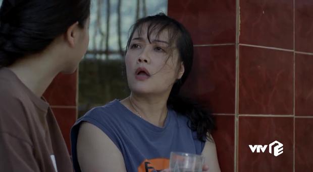 Hết tét mông Quỳnh Kool, nữ chính Hướng Dương Ngược Nắng lại hại mẹ mất trí ở tập 16 - Ảnh 3.