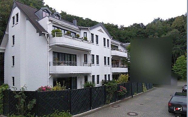 Những câu chuyện kinh hoàng phía sau 4 ngôi nhà bị Google Maps che mờ - Ảnh 4.