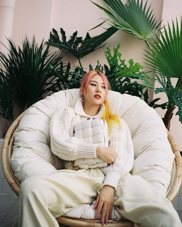 Instagram look của sao Việt tuần qua: Đại hội khoe eo của Thiều Bảo Trâm, Chi Pu, Lan Ngọc - Ảnh 8.