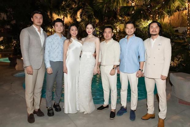 Đặng Thu Thảo tái xuất xinh đẹp đỉnh cao trong buổi tụ họp, Đạo diễn HHVN bỗng hé lộ cuộc sống hôn nhân của nàng Hậu - Ảnh 4.
