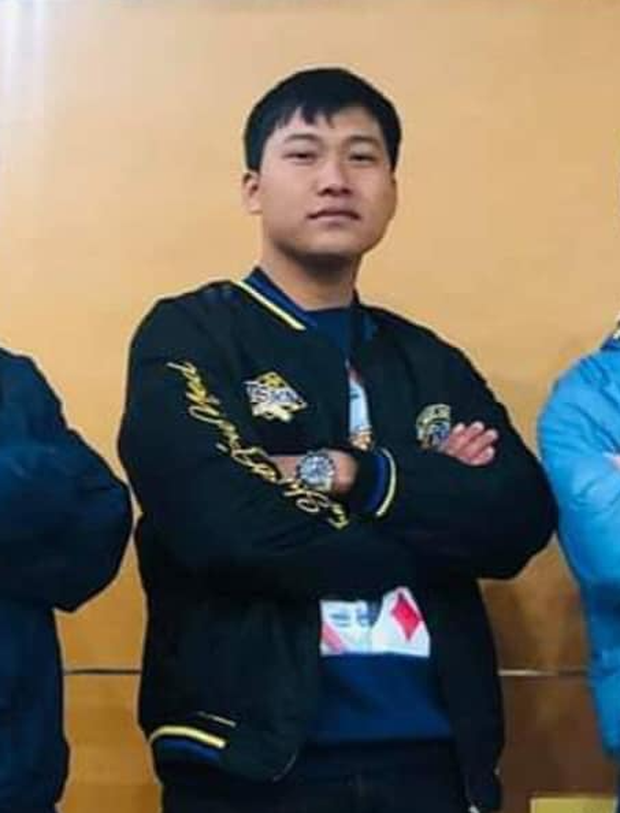 Thuyền lại ra khơi: Netizen phát hiện Hậu Hoàng & Mũi trưởng Long... diện chung 1 chiếc áo - Ảnh 3.