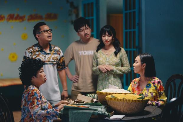Tiến Luật ăn gan trời, giấu Thu Trang giữ quỹ đen ở Tết Đến Rồi Về Nhà Thôi 4 - Ảnh 2.