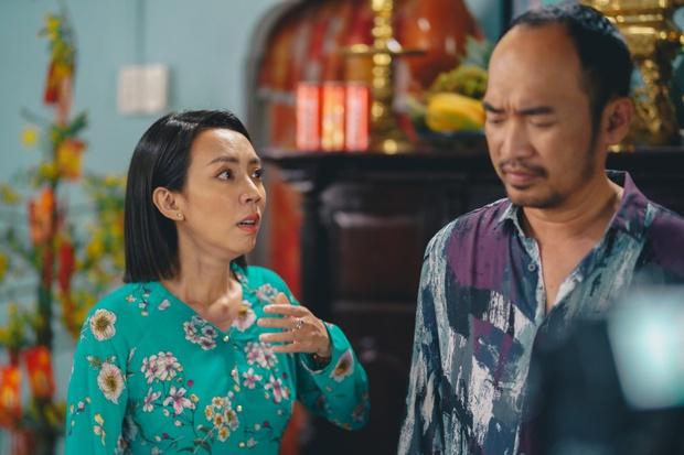 Tiến Luật ăn gan trời, giấu Thu Trang giữ quỹ đen ở Tết Đến Rồi Về Nhà Thôi 4 - Ảnh 4.