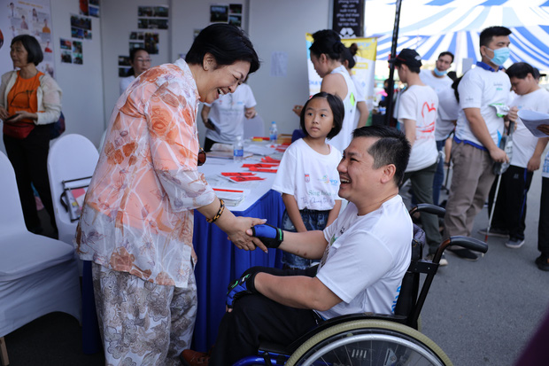 TP.HCM: Ấm áp đường chạy marathon dành riêng cho người khuyết tật và nạn nhân chiến tranh - Ảnh 6.