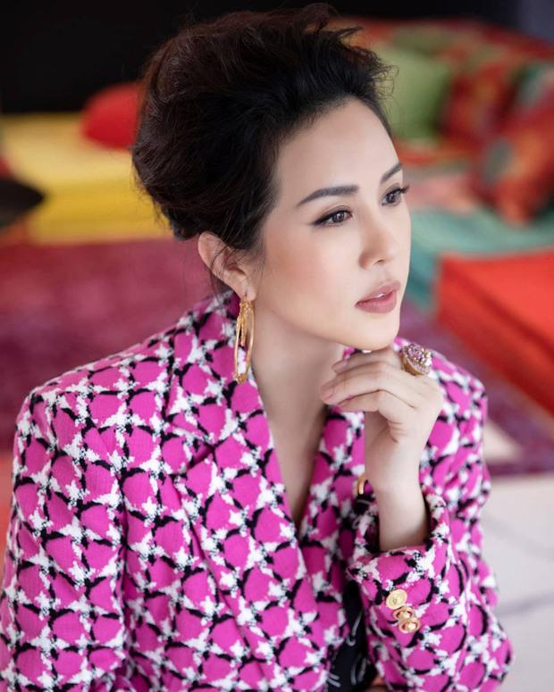 Quản lý cũ Hương Giang tag tên dưới post đấu tố, HH Thu Hoài đáp lại đầy bất ngờ, khiến dân tình tâm phục khẩu phục - Ảnh 3.