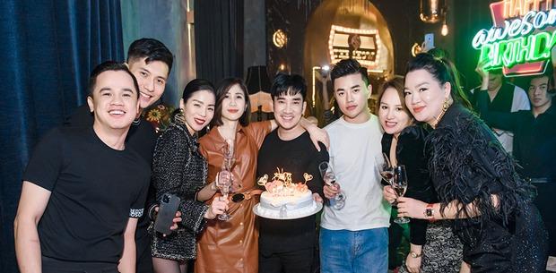 Lệ Quyên và tình trẻ Lâm Bảo Châu công khai kề cận tại sinh nhật Quang Hà, nhìn biểu cảm đủ biết hạnh phúc thế nào! - Ảnh 2.