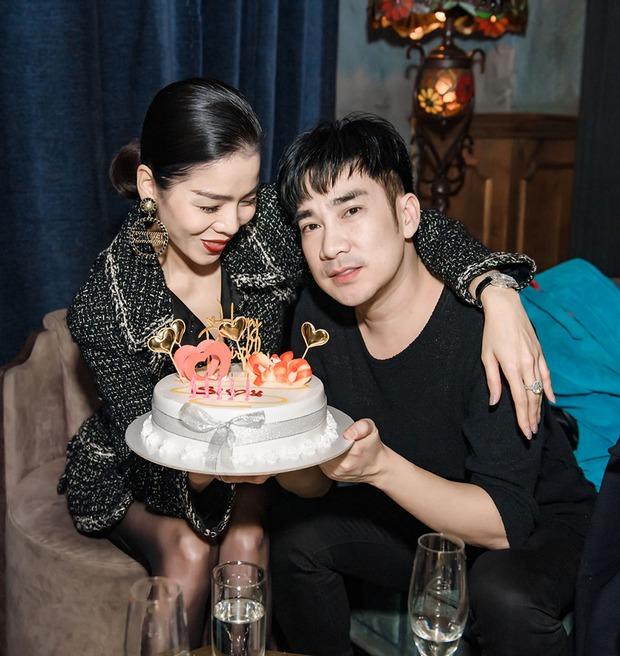 Lệ Quyên và tình trẻ Lâm Bảo Châu công khai kề cận tại sinh nhật Quang Hà, nhìn biểu cảm đủ biết hạnh phúc thế nào! - Ảnh 4.