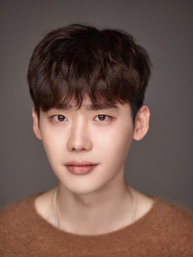 Giữa lùm xùm cặp kè Trịnh Sảng, Lee Jong Suk được mời vào vai nam chính ở dự án phim hành động mới - Ảnh 1.