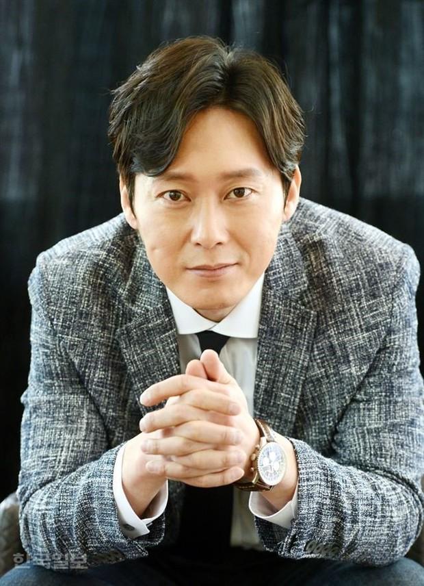 Giữa lùm xùm cặp kè Trịnh Sảng, Lee Jong Suk được mời vào vai nam chính ở dự án phim hành động mới - Ảnh 7.