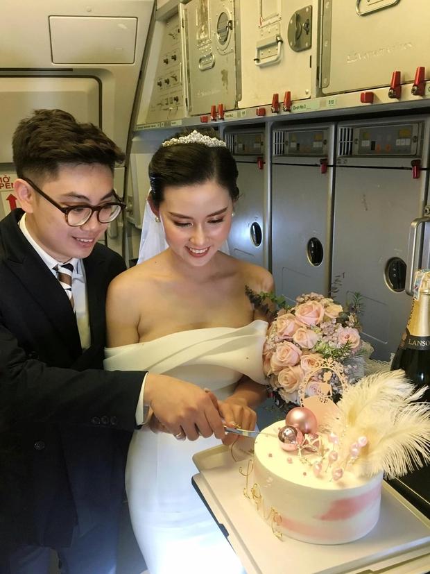 Hành trình đón dâu đặc biệt trên chuyến bay của Vietnam Airlines - Ảnh 3.