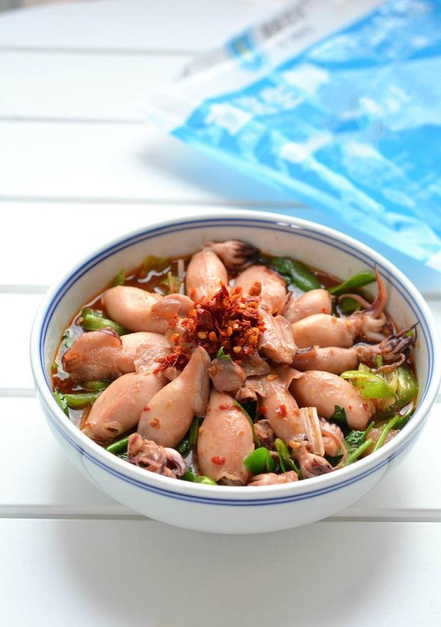 Cơm nóng trộn trứng sống - sa tế: Món ăn đang hot trên MXH mấy ngày nay, hóa ra lại dễ làm và vô cùng thơm ngon nhờ loại gia vị made in Việt Nam này - Ảnh 10.