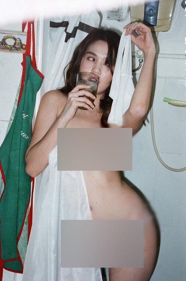 Ngọc Trinh tung ảnh bán nude, phô cả góc lưng trần sexy đến đỉnh điểm khi ngâm mình trong bồn tắm dát vàng - Ảnh 5.