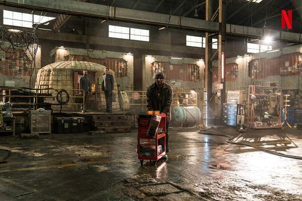 Bom tấn Space Sweepers tung hàng nóng: Kim Tae Ri đấu súng cực ngầu, Song Joong Ki xứng danh trùm công nghệ - Ảnh 8.