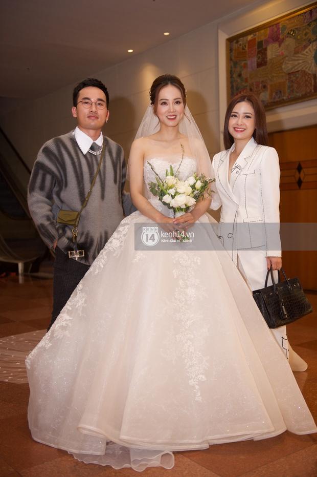 Dàn sao đổ bộ tiệc cưới NS Công Lý: Á hậu Thuỵ Vân đọ sắc bên cô dâu, Huyền My như người khổng lồ giữa dàn mỹ nhân - Ảnh 10.